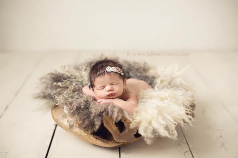 Minneapolis newborn photographer pin it minnesota newborn photographer