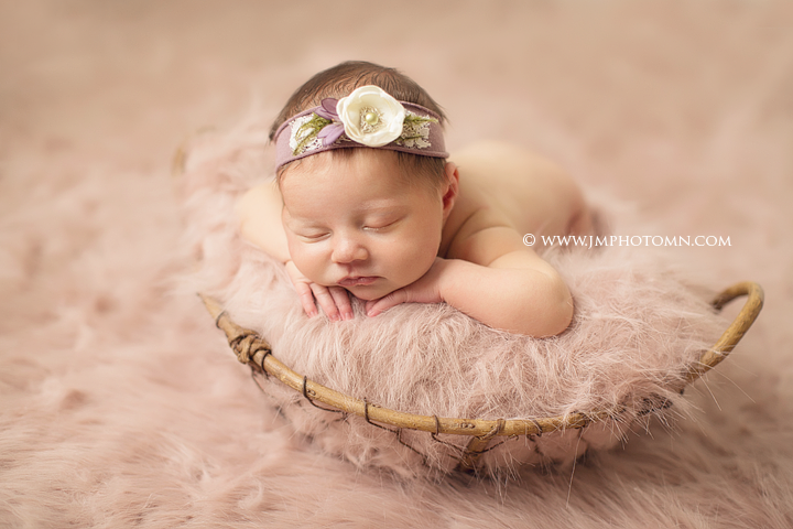 Newborn photos mn kenzie jm photography